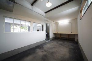 【K-KOMFORTA】ガレージアパート | インダストリアルデザイン