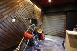 男前すぎるバイクガレージ ~ Iron Horse Barn ~