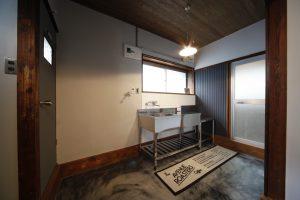 築40年・長屋をアメリカンベース風にフルリノベーション『土間のある家』